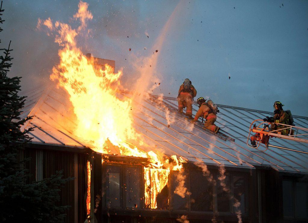 איך נגן על הבית מסכנת שריפה?