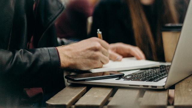 Interio – אילו כלים יכולים לעזור לנו לבחור אנשי מקצוע בצורה נכונה