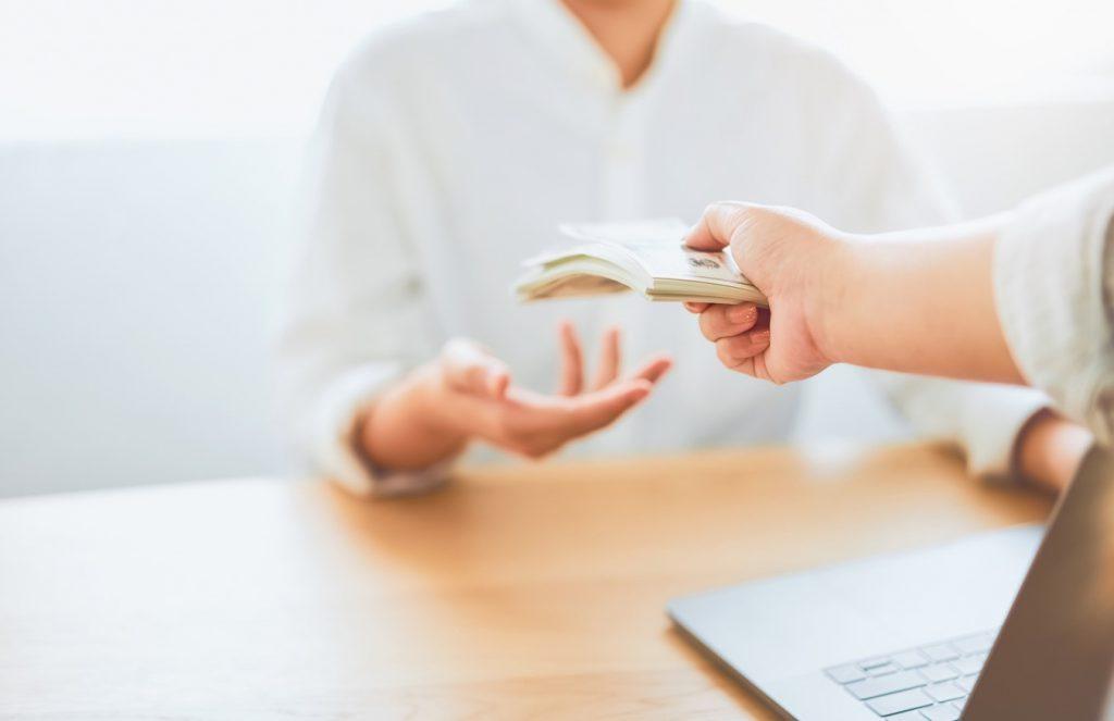 הפקעת מקרקעין: חלוקת פיצויי הפקעה בין בעלי הזכויות השונים